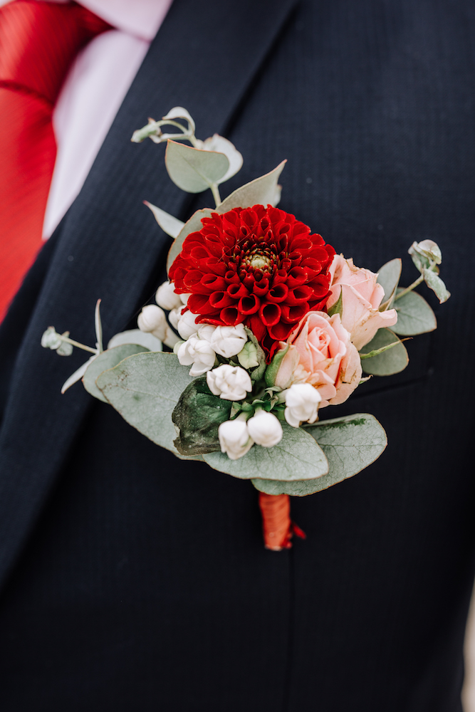 le coeur dans les etoiles - wedding planner - provence - luberon - organisation mariage - mariage automne - nicolas terraes - boutonniere