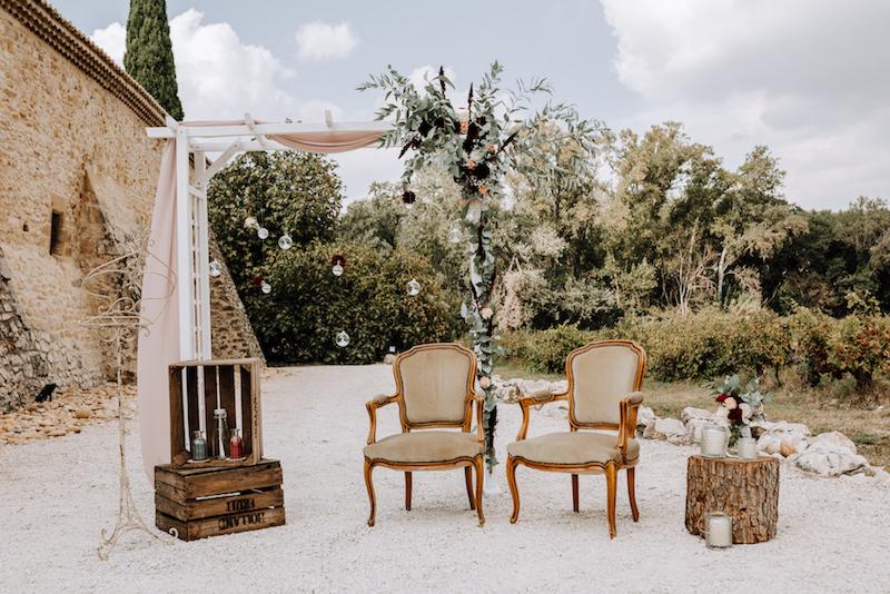 le coeur dans les etoiles - wedding planner - provence - luberon - organisation mariage - mariage automne - nicolas terraes - ceremonie laique - arche