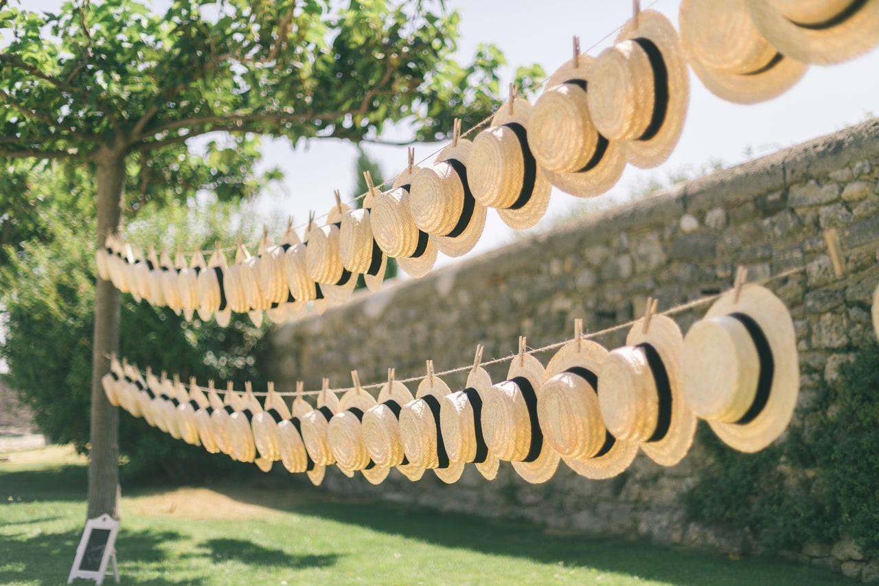 le coeur dans les etoiles - wedding planner - provence - luberon - drome - organisation provencale- sebastien cabanes - bar a chapeaux