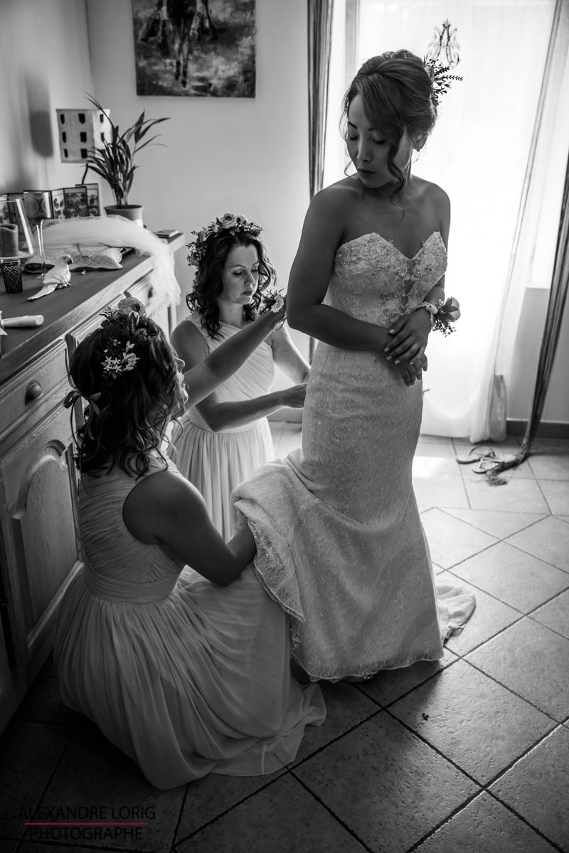 le coeur dans les etoiles - wedding planner provence - luberon - mariage provence - Alexandre Lorig - habillage mariee 2