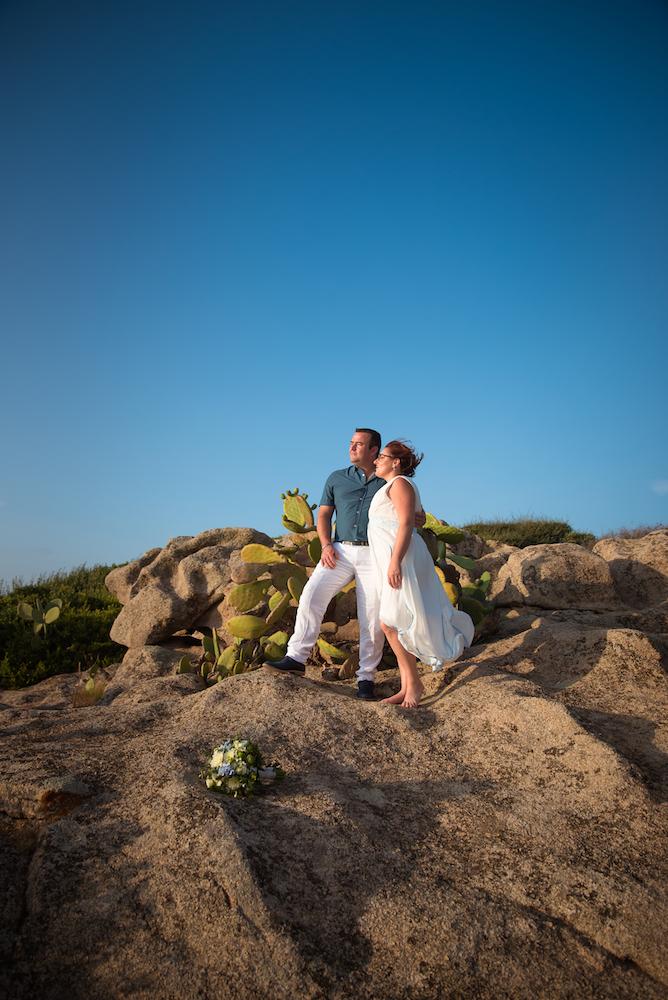 le coeur dans les etoiles - wedding planner - provence - sardaigne - mariage en sardaigne - organisation mariage - c&jn - couple - rochers