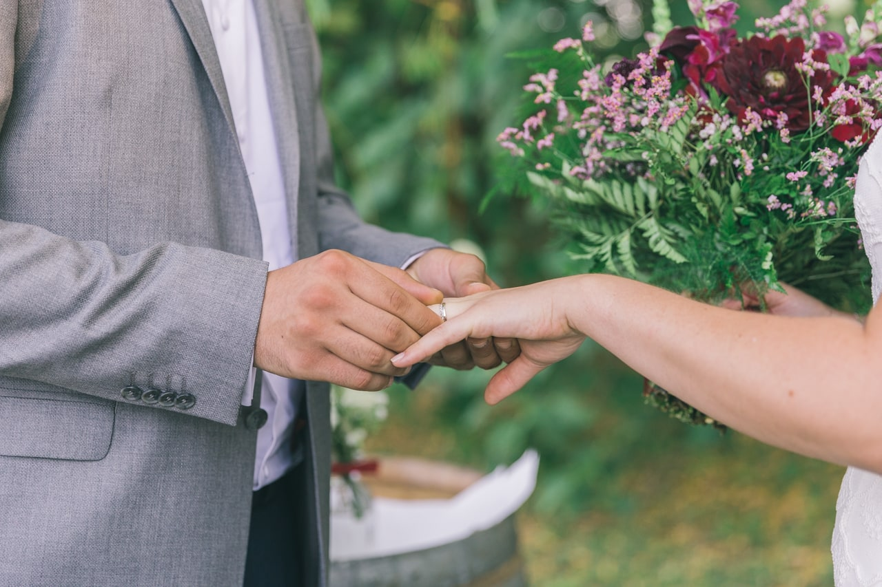 le coeur dans les etoiles - wedding planner provence - luberon - sardaigne - organisation mariage - mariage en provence - sebastien cabanes - echange alliances