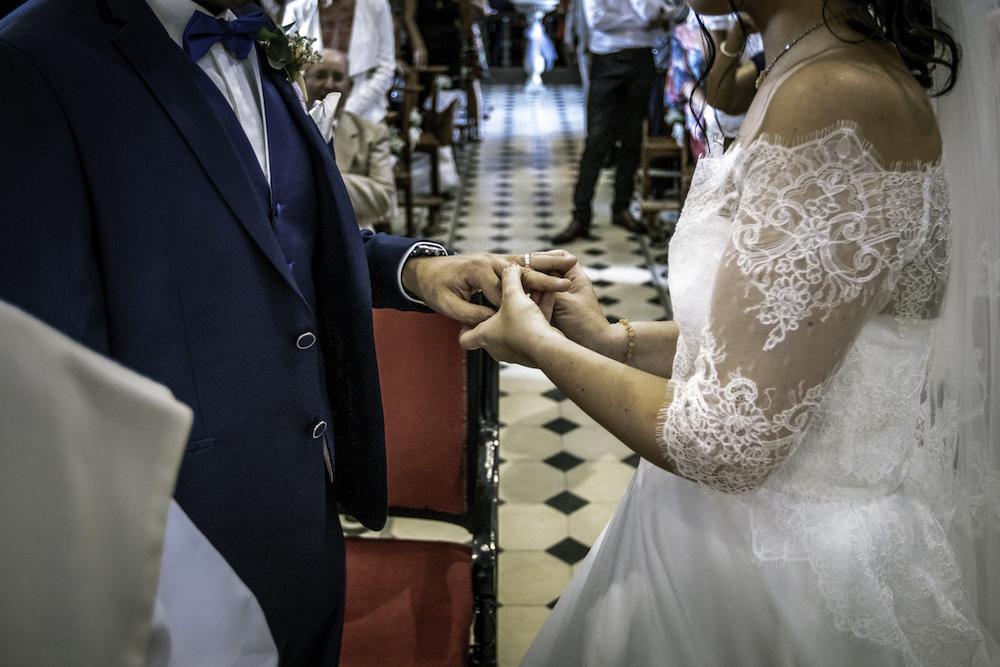le coeur dans les etoiles - wedding planner - provence - luberon - organisation mariage provence - sebastien ben duc kieng - echange alliances