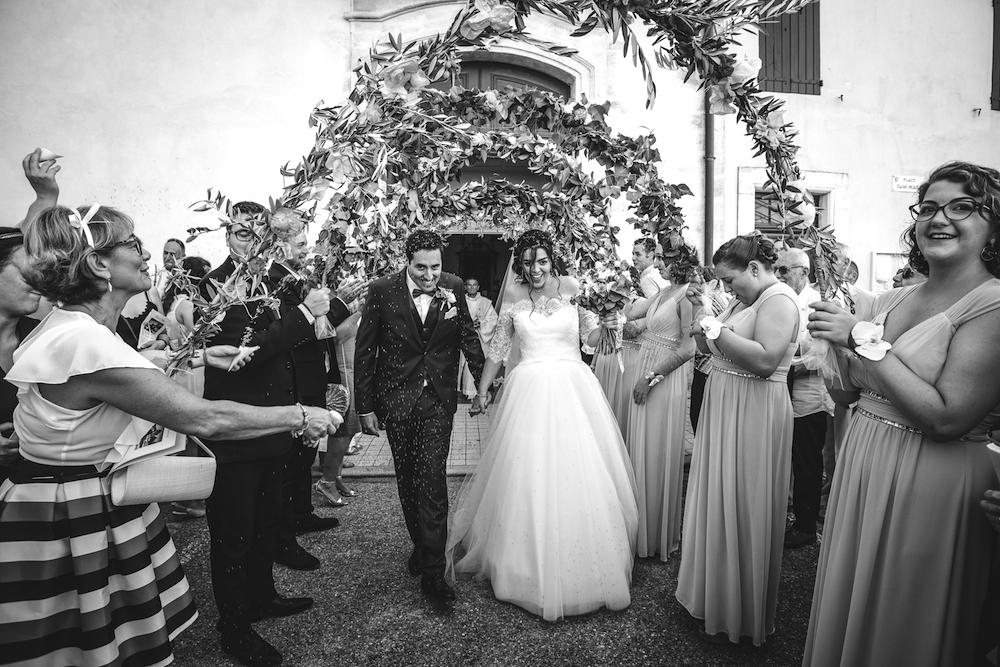 le coeur dans les etoiles - wedding planner - provence - luberon - organisation mariage provence - sebastien ben duc kieng - sortie eglise