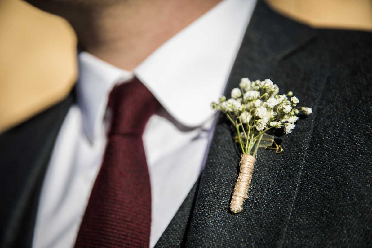 le coeur dans les etoiles - wedding planner provence - luberon - organisation - mariage - mariage d hiver - alexandre lorig - boutonniere