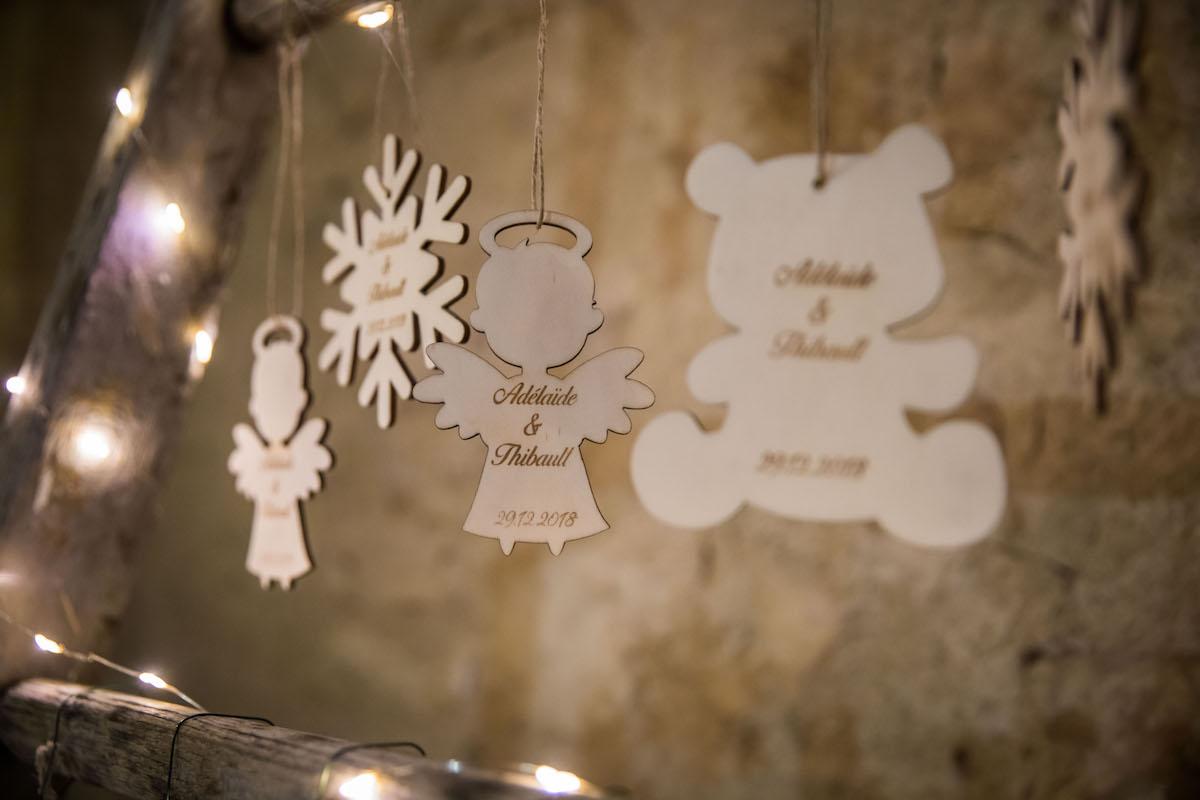 le coeur dans les etoiles - wedding planner provence - luberon - organisation - mariage - mariage d hiver - alexandre lorig - cadeaux invites suspensions