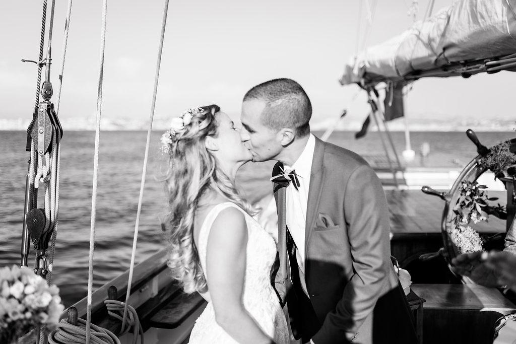 le coeur dans les etoiles - wedding planner - provence - sardaigne - shooting inspiration - mariage voilier - audrey carnoy - bisou ceremonie