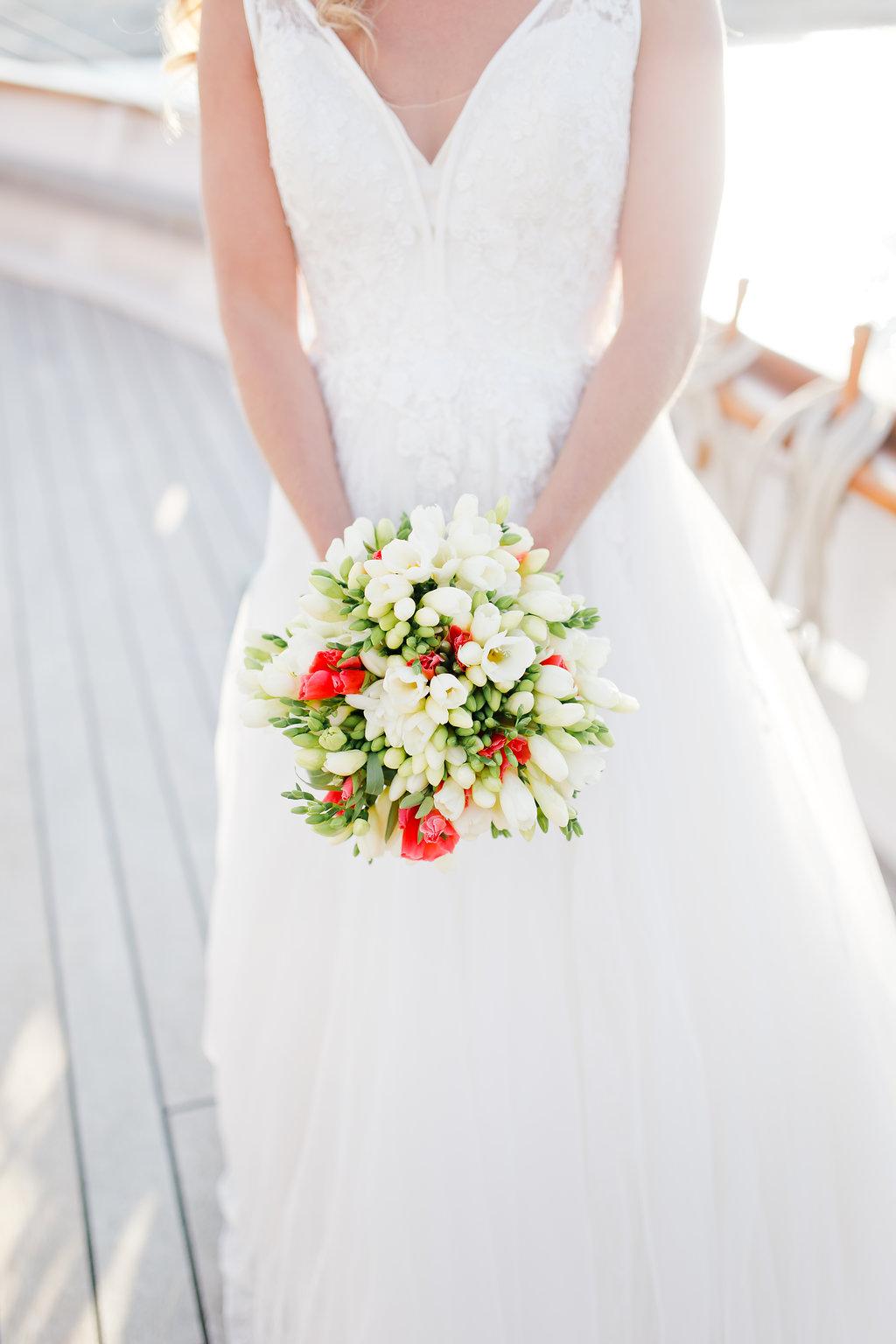 le coeur dans les etoiles - wedding planner - provence - sardaigne - shooting inspiration - mariage voilier - audrey carnoy - bouquet de mariee