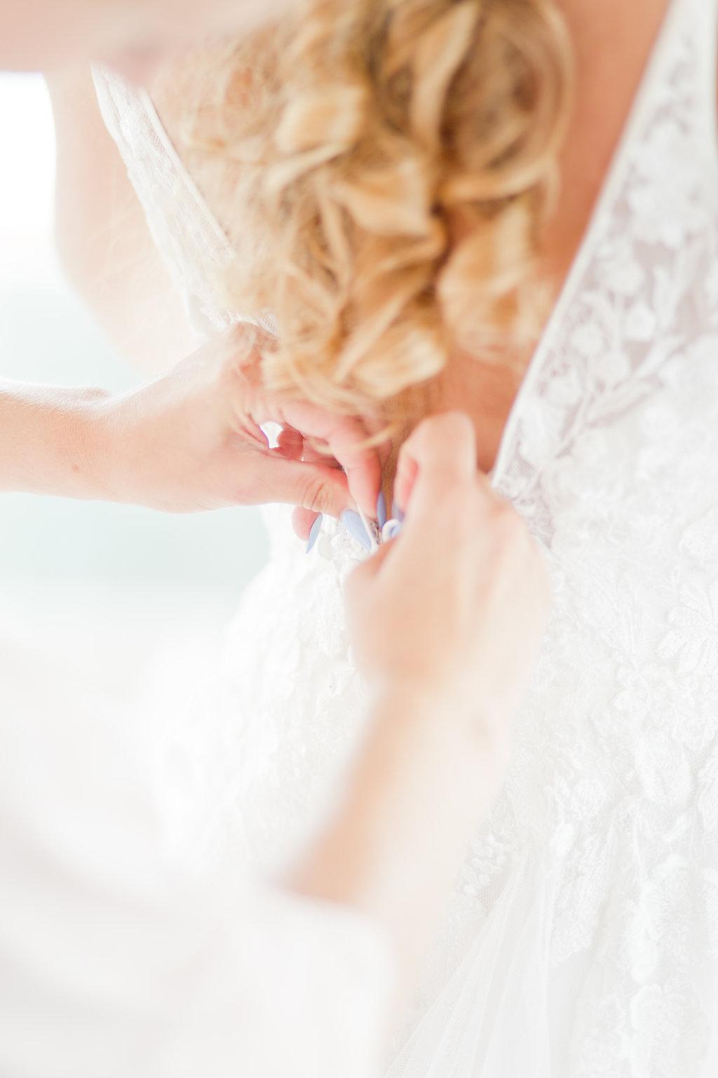 le coeur dans les etoiles - wedding planner - provence - sardaigne - shooting inspiration - mariage voilier - audrey carnoy - habillage mariee 2