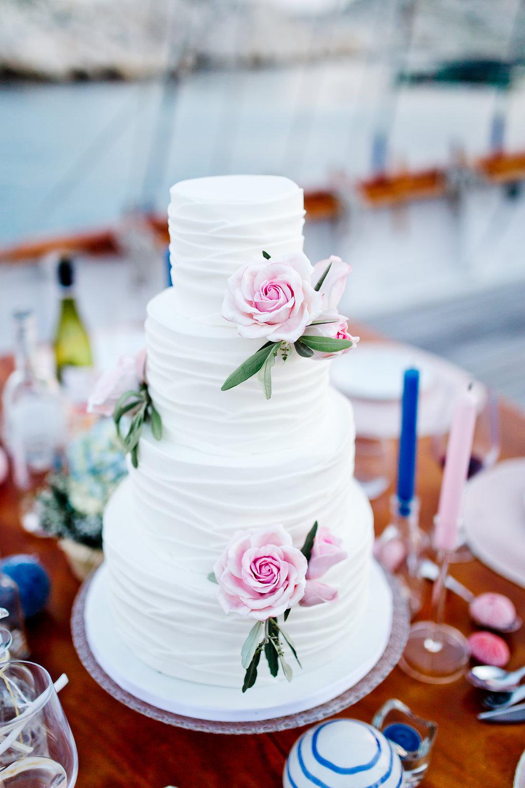 le coeur dans les etoiles - wedding planner - provence - sardaigne - shooting inspiration - mariage voilier - audrey carnoy - wedding cake