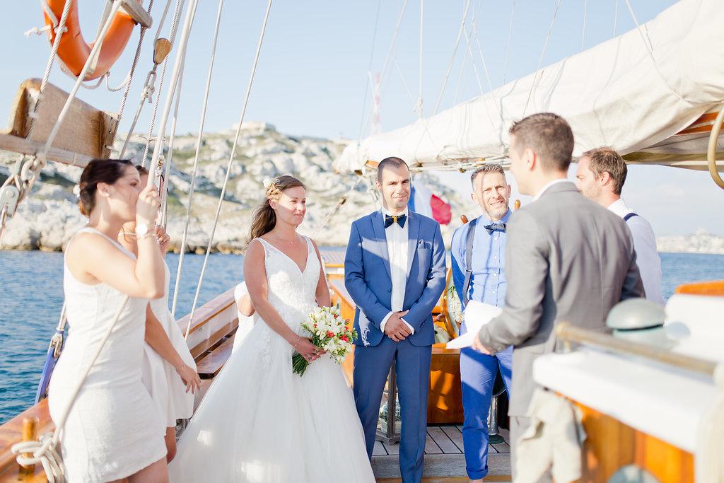 le coeur dans les etoiles - wedding planner - provence - luberon - alpilles - sardaigne - italie - organisation - mariage - bateau - voilier - mer - audrey carnoy-ceremonie laique
