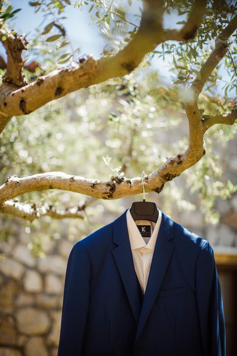 le coeur dans les etoiles - wedding planner - sardaigne - provence - luberon - mariage - organisation - antonio patta - costume marie