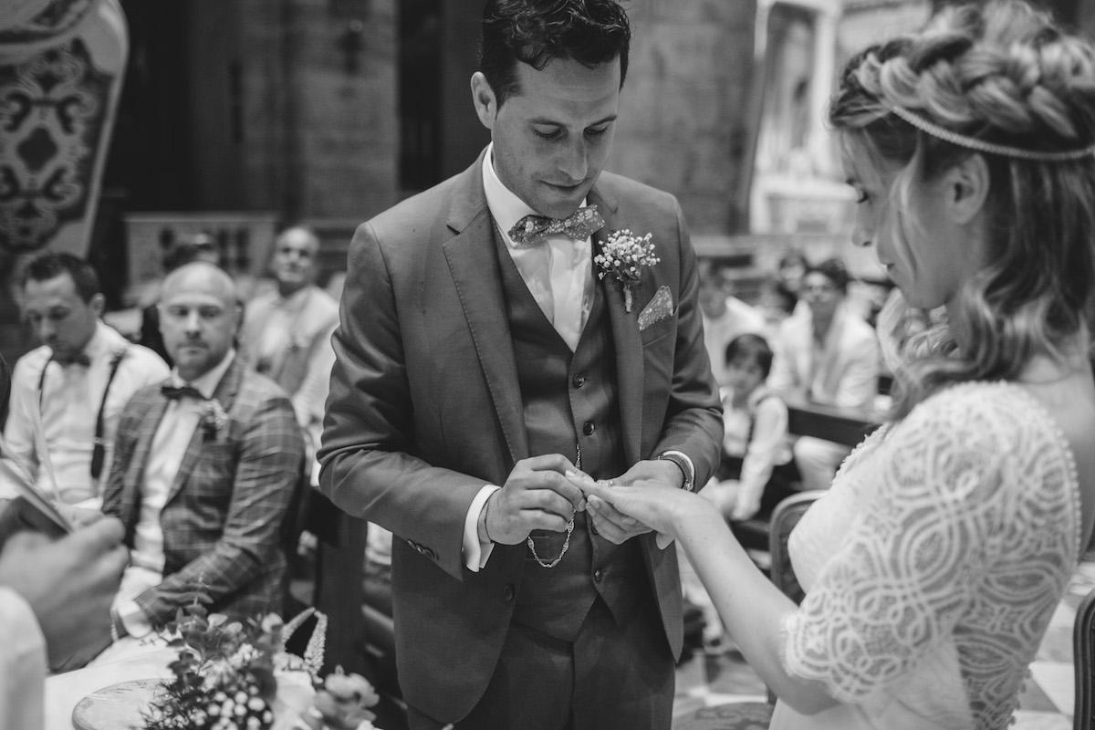 le coeur dans les etoiles - wedding planner - sardaigne - provence - luberon - mariage - organisation - antonio patta - echange alliances