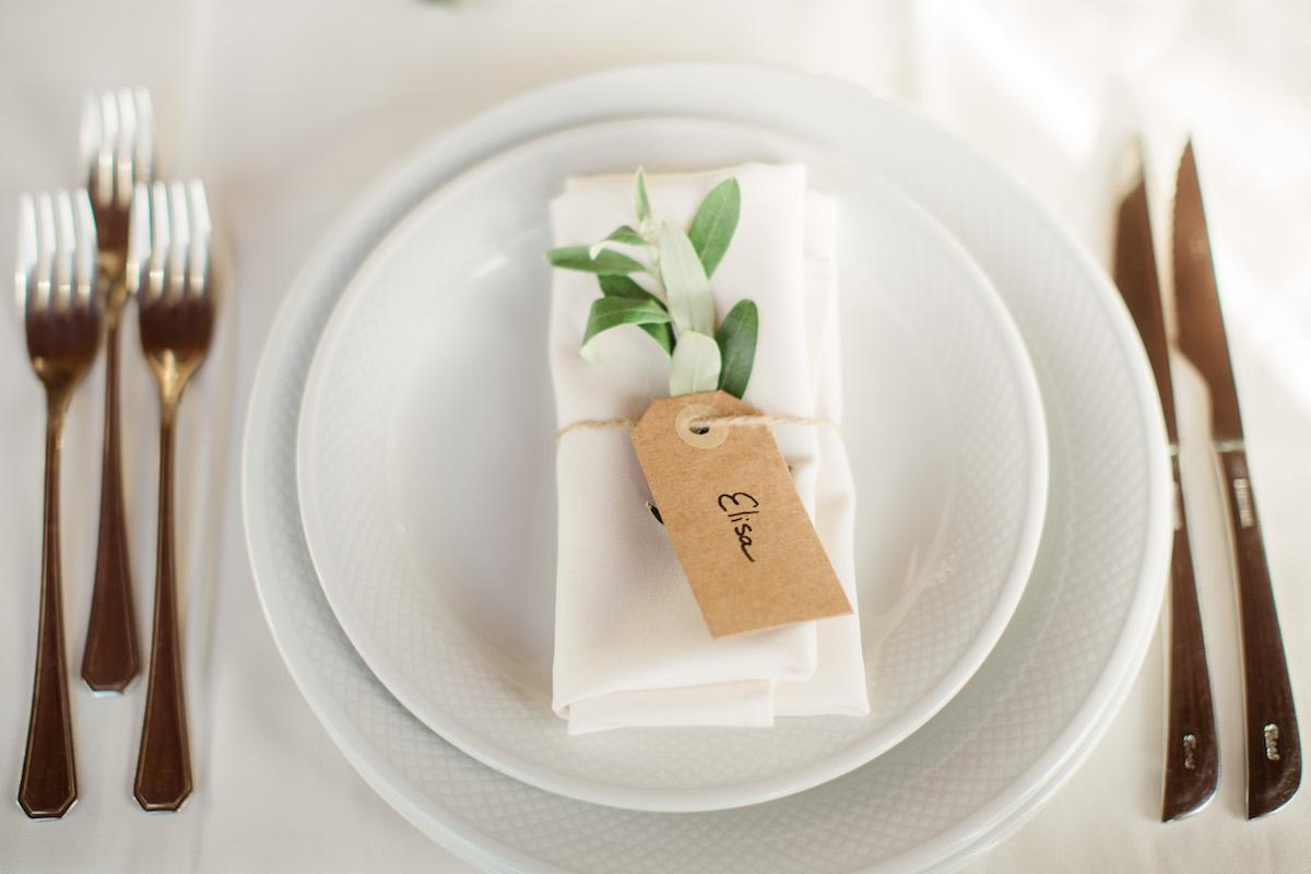 le coeur dans les etoiles - wedding planner - sardaigne - provence - luberon - mariage - organisation - antonio patta - serviette brin olivier