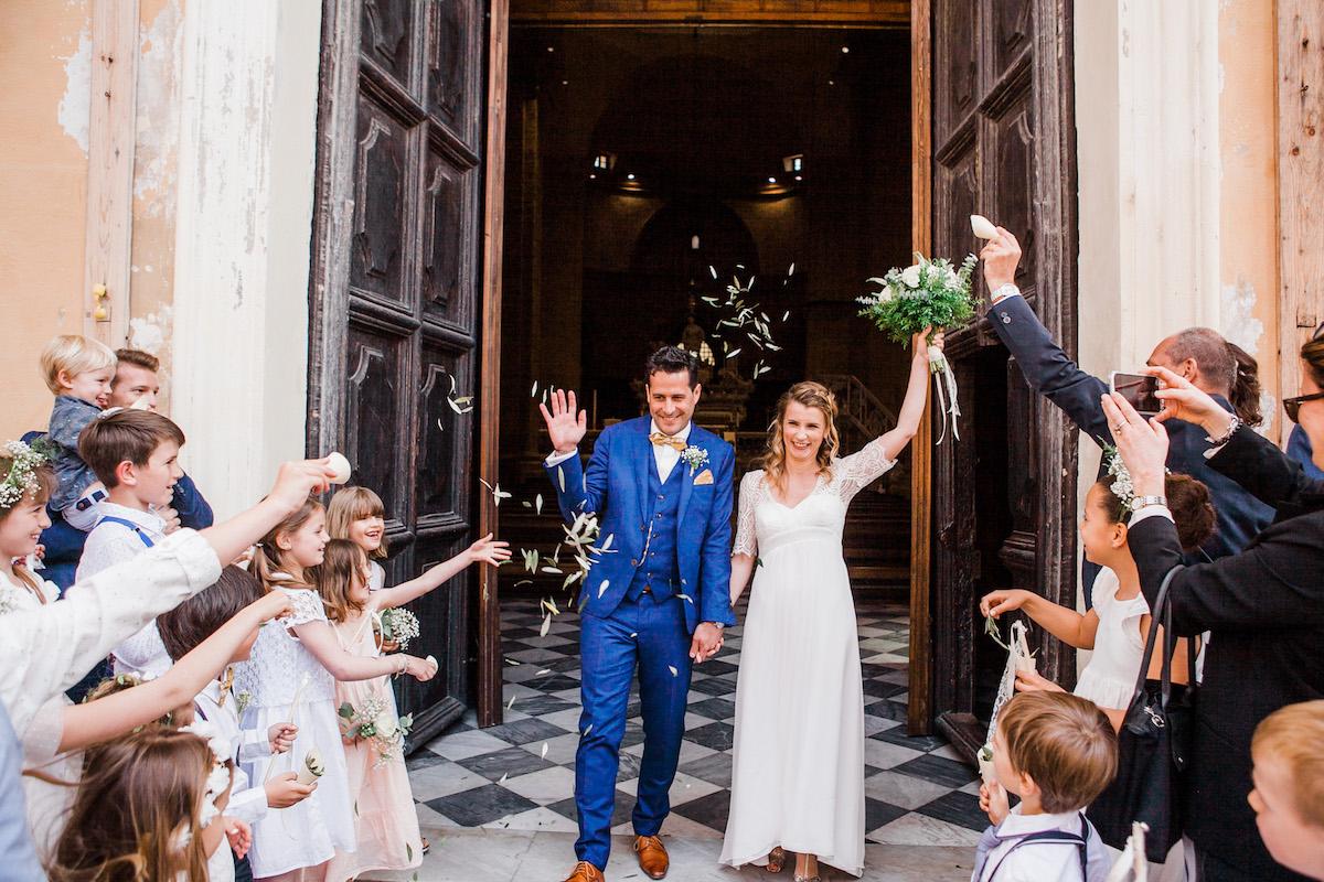le coeur dans les etoiles - wedding planner - sardaigne - provence - luberon - mariage - organisation - antonio patta - sortie eglise