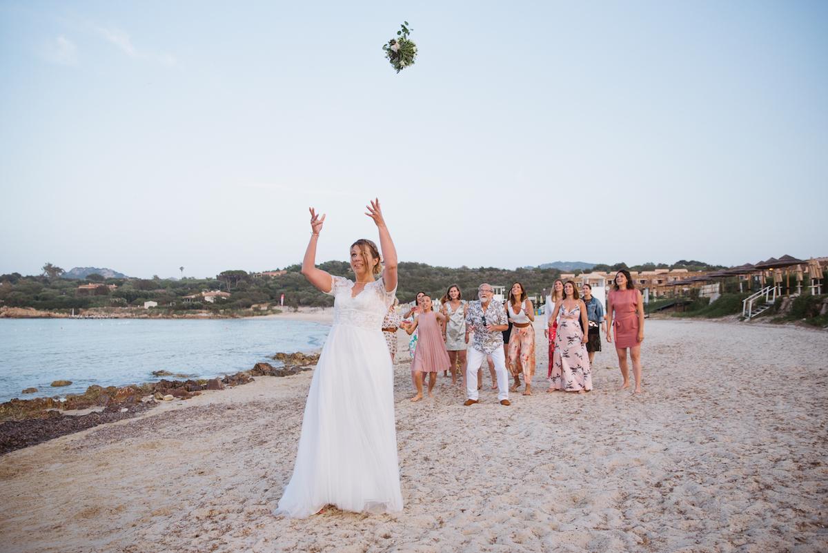le coeur dans les etoiles - wedding planner - sardaigne - italie - luberon - provence - mariage sardaigne - tania mura - lance bouquet mariee