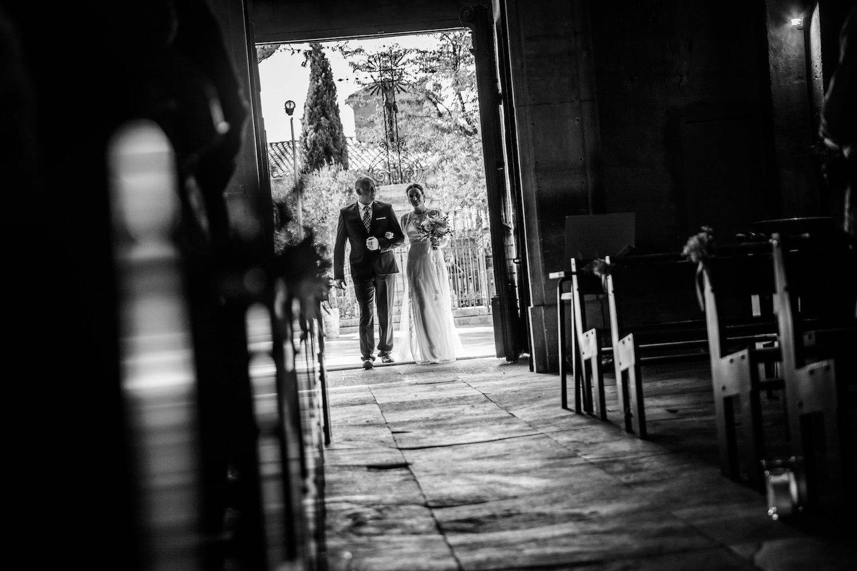 le coeur dans les etoiles - wedding planner - provence - luberon - alpilles - organisation - mariage - wedding - alexandre lorig - entree mariee