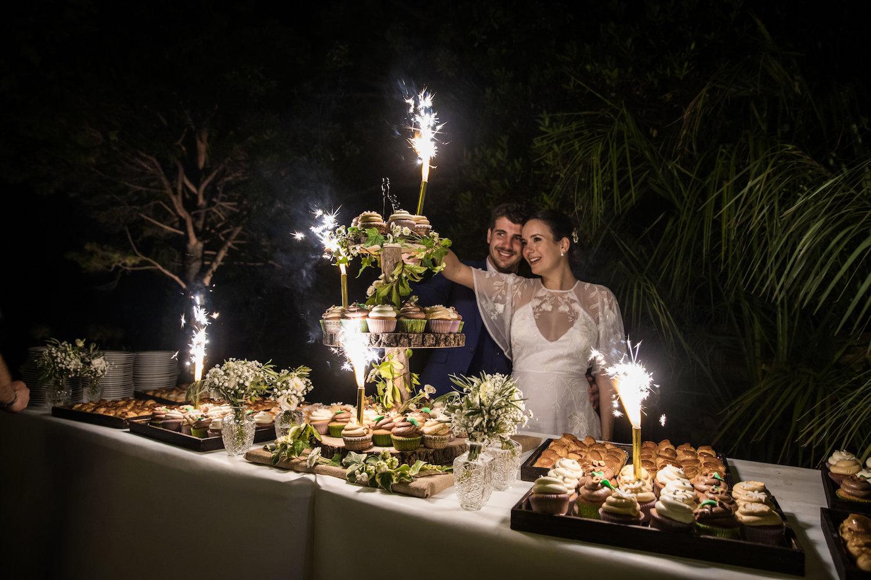 le coeur dans les etoiles - wedding planner - provence - luberon - alpilles - organisation - mariage - wedding - alexandre lorig - piece montee cupcakes