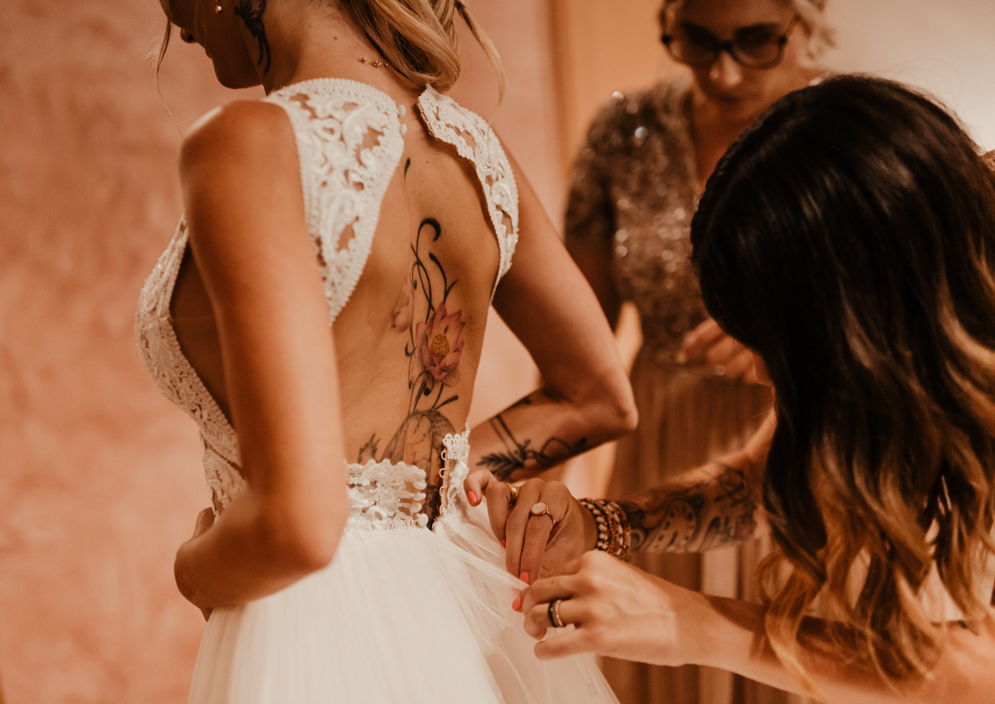 le coeur dans les etoiles - wedding planner - provence - luberon - alpilles - organisation - mariage - wedding - florine jeannot - habillage mariee