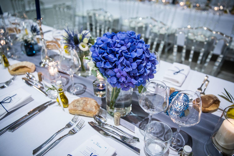 le coeur dans les etoiles - corine charbonnel -wedding planner - provence - luberon - alpilles - organisation - mariage - wedding - alexandre lorig - fleurs table