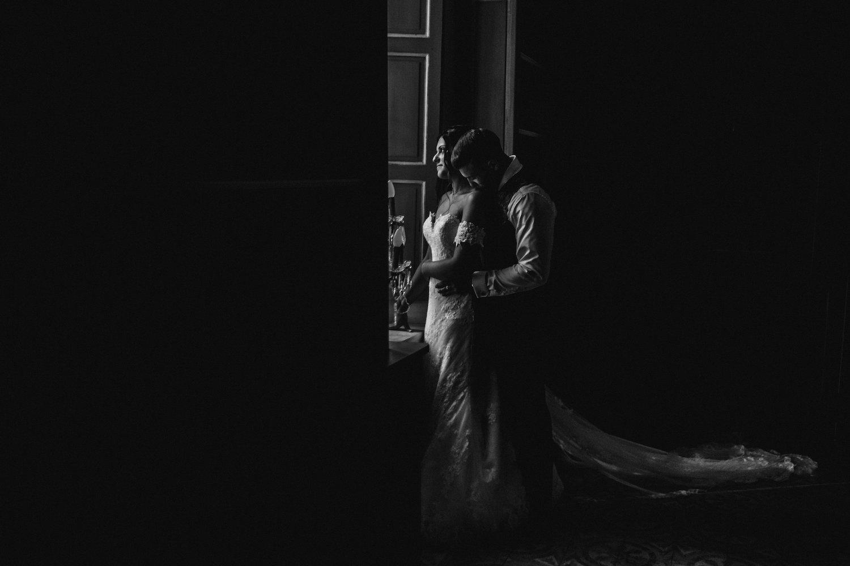 le coeur dans les etoiles - corine charbonnel -wedding planner - provence - luberon - alpilles - organisation - mariage - wedding - gilles perbal - couple intimite
