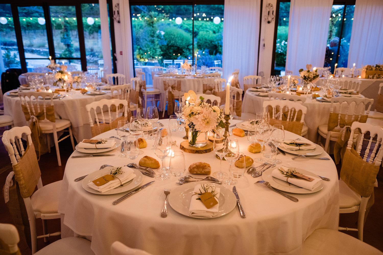 le coeur dans les etoiles - corine charbonnel -wedding planner - provence - luberon - alpilles - organisation - mariage - wedding - gilles perbal - deco salle bougies