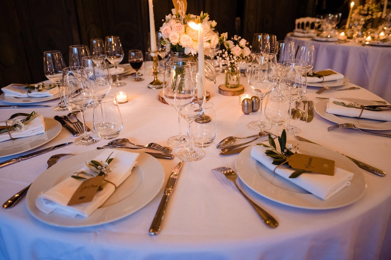 le coeur dans les etoiles - corine charbonnel -wedding planner - provence - luberon - alpilles - organisation - mariage - wedding - gilles perbal - deco table bougies