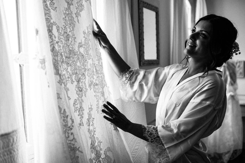 le coeur dans les etoiles - corine charbonnel -wedding planner - provence - luberon - alpilles - organisation - mariage - wedding - gilles perbal - la mariee et sa robe