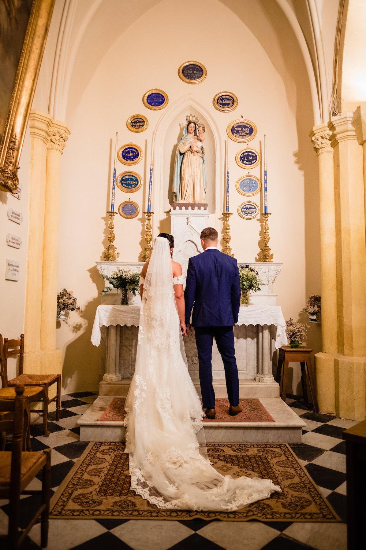 le coeur dans les etoiles - corine charbonnel -wedding planner - provence - luberon - alpilles - organisation - mariage - wedding - gilles perbal - recueillement eglise