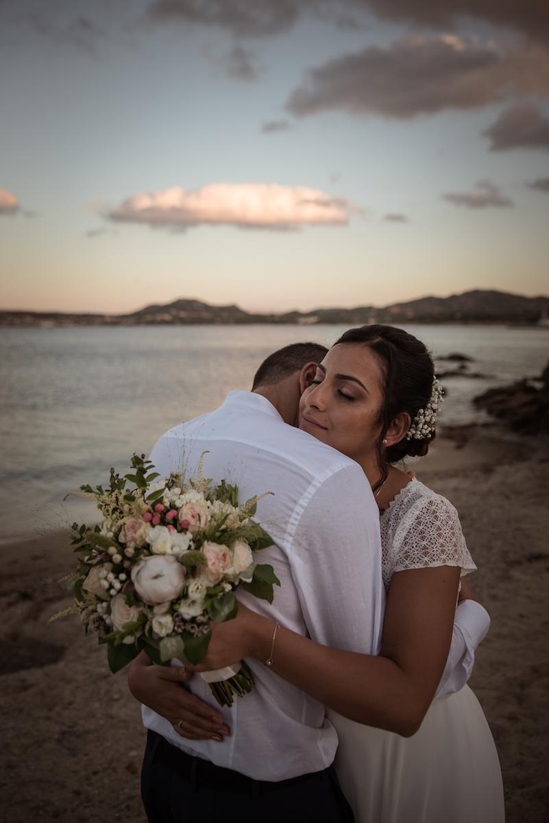 le coeur dans les etoiles - wedding planner - provence - luberon - sardaigne - organisation mariage - tania mura - couple coucher de soleil plage