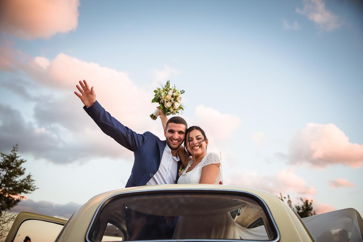 le coeur dans les etoiles - wedding planner - provence - luberon - sardaigne - organisation mariage - tania mura - couple plage voiture