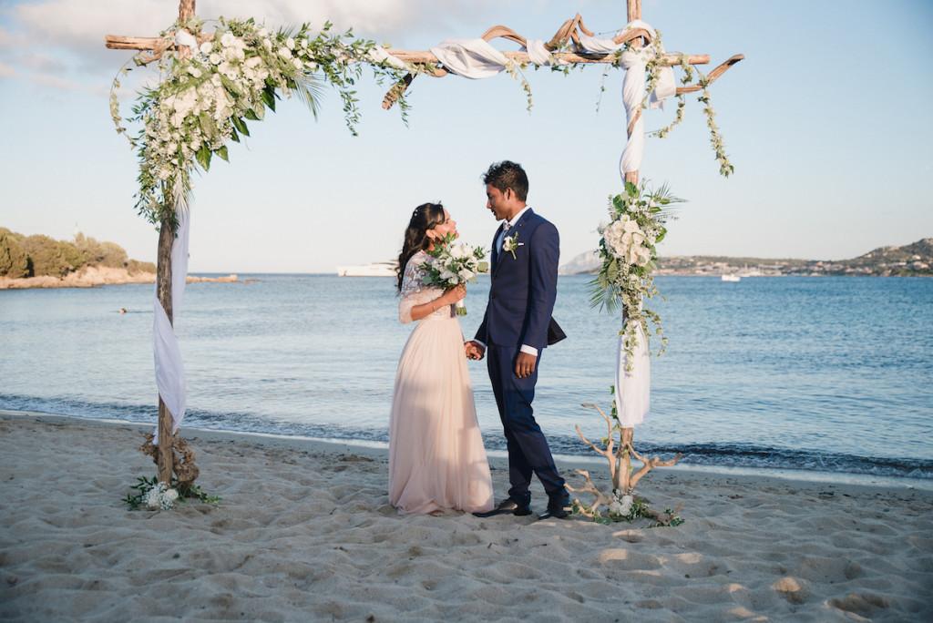 le coeur dans les etoiles - wedding planner - provence - luberon - sardaigne - organisation mariage - tania mura - l&s - couple arche
