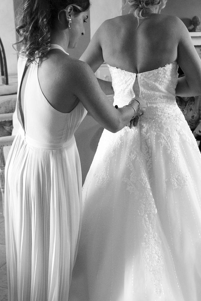le coeur dans les etoiles - wedding planner - luberon - provence - mariage provence - L&T - sebastien bdk - habillage mariee
