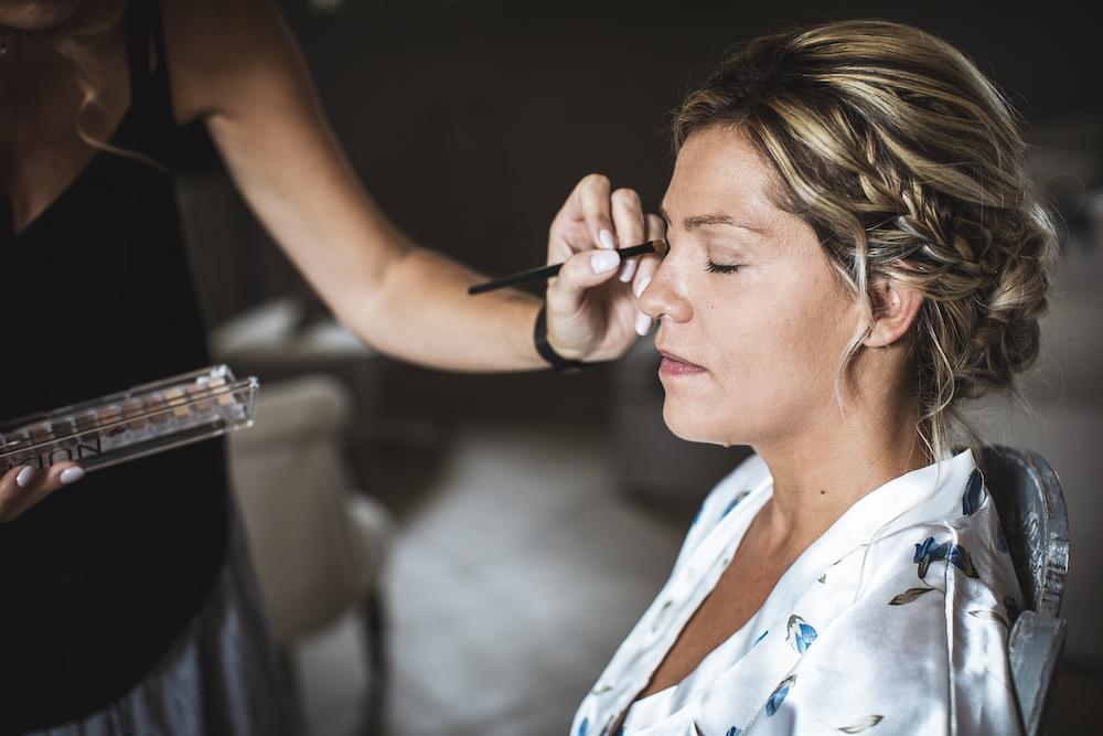le coeur dans les etoiles - wedding planner - luberon - provence - mariage provence L&T - sebastien bdk - makeup mariee
