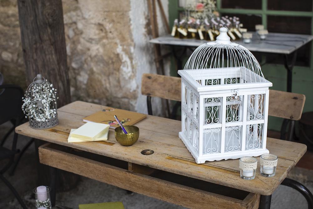 le coeur dans les etoiles - wedding planner - luberon - provence - mariage provence - L&T - sebastien bdk - urne et livre