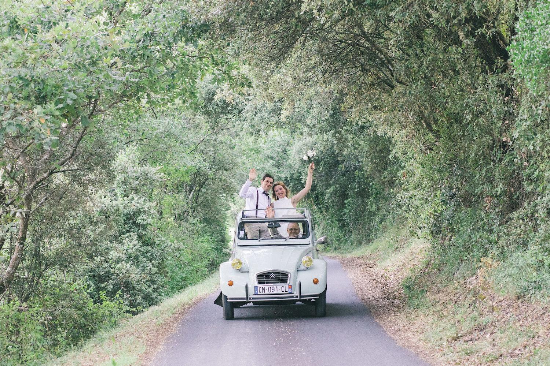 le coeur dans les etoiles - wedding planner - gard - provence - mariage provence - L&C - sebastien cabanes - 2CV