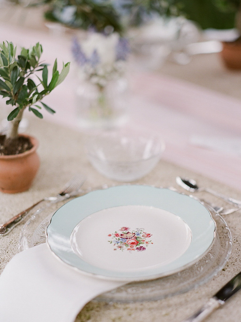 Assiettes vintage pour mariage