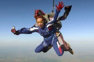 Saut en parachute enterrement de vie de célibataire